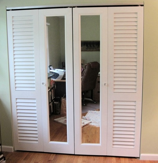Closet louvered interior doors with mirrors