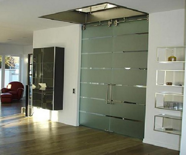 Decorative glass interior doors types and styles for your for Different types of interior doors
