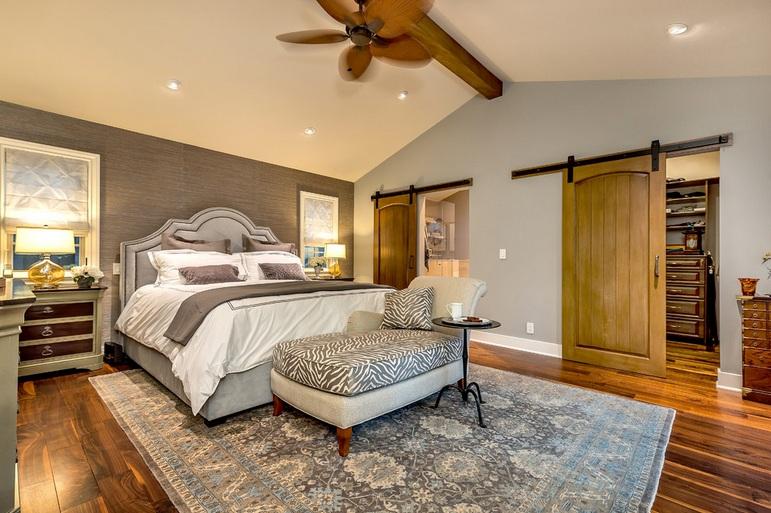 Barn door decorating ideas for master bedroom