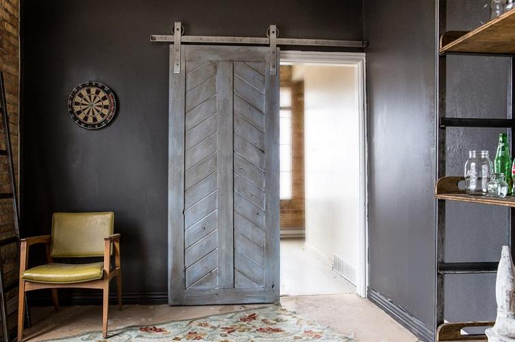 Grey barn door decorating ideas with large door track system