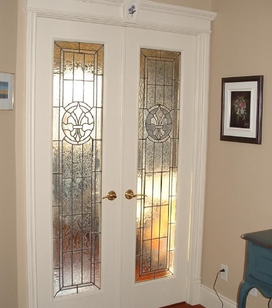 Interior french doors with decorative frosted glass for bedroom