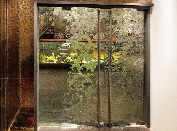 Decorative glass interior doors types and styles for your for Types of glass used in interior